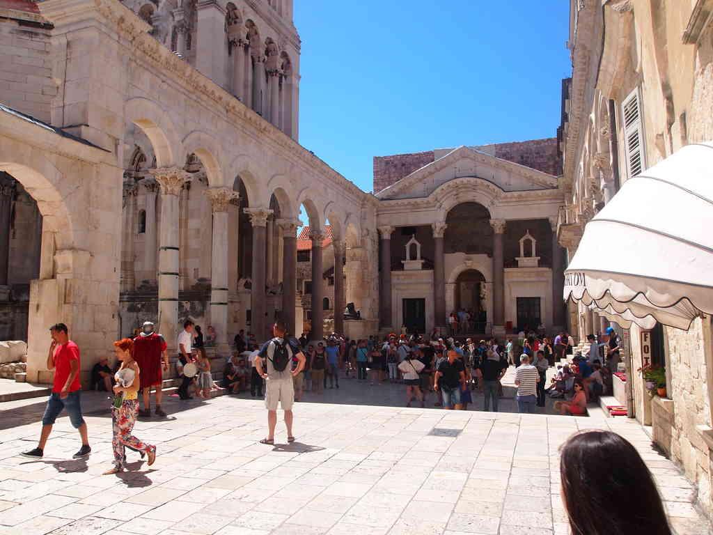 Diocletian Palace walking tour Split
