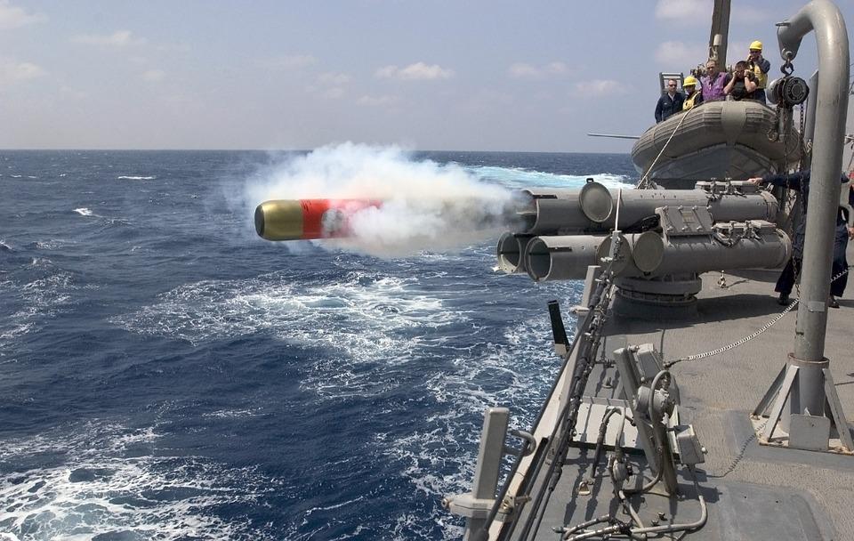 torpedo-67468_960_720