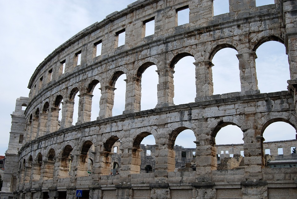 Top things about Pula - colloseum
